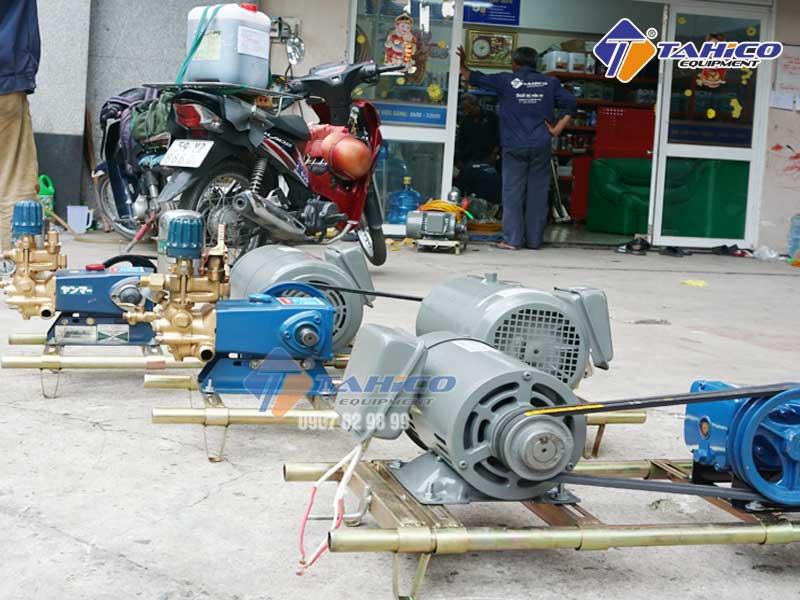 Máy rửa xe dây đai tuy không quá mạnh nhưng rất bền bỉ