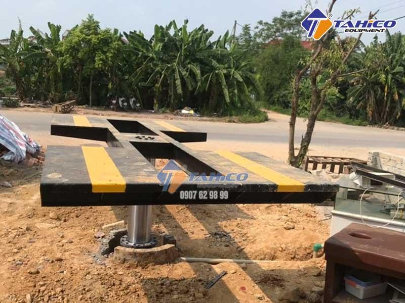 Cầu nâng 1 trụ cần thiết cho trạm rửa xe