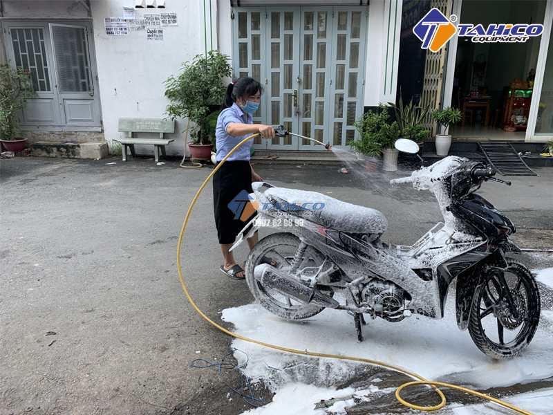 Sử dụng với máy rửa xe bọt tuyết